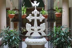 Cross at Beṭ Thoma (Sisters of St. Thomas Ashram), Palamattam